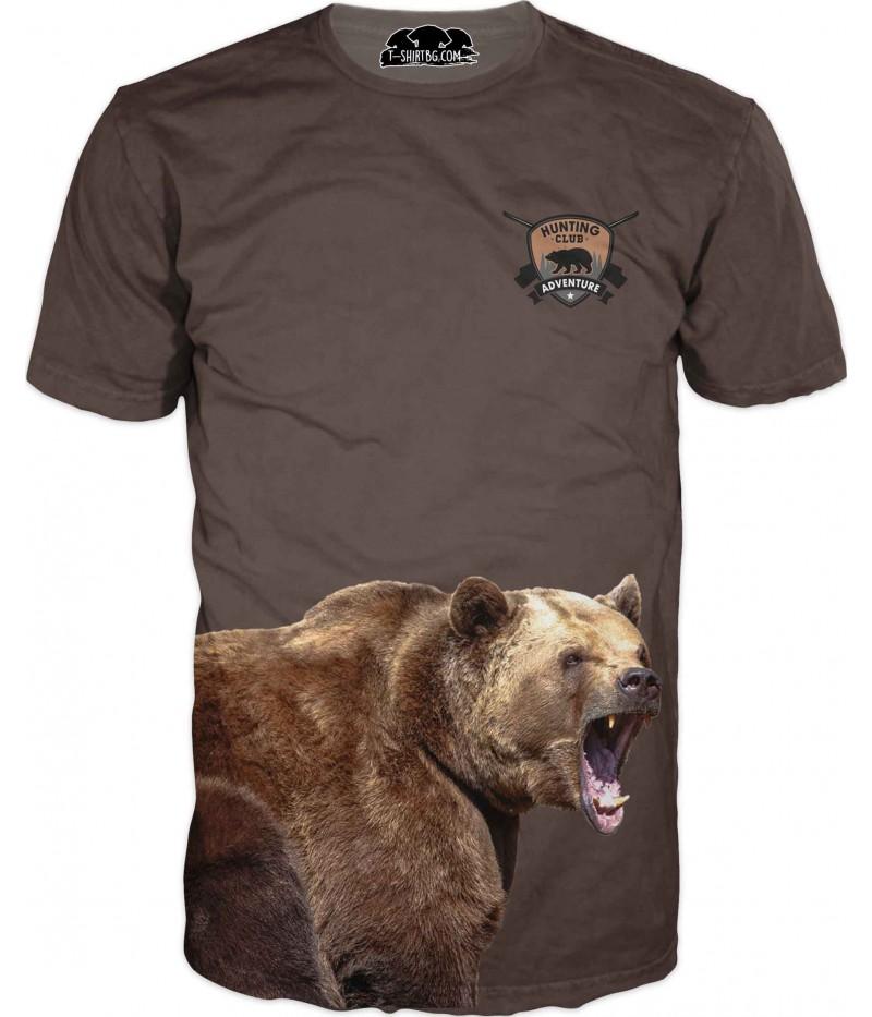 Ловна тениска с мечка на кафяв фон