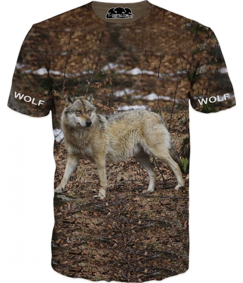 Тениска с вълк сред гората