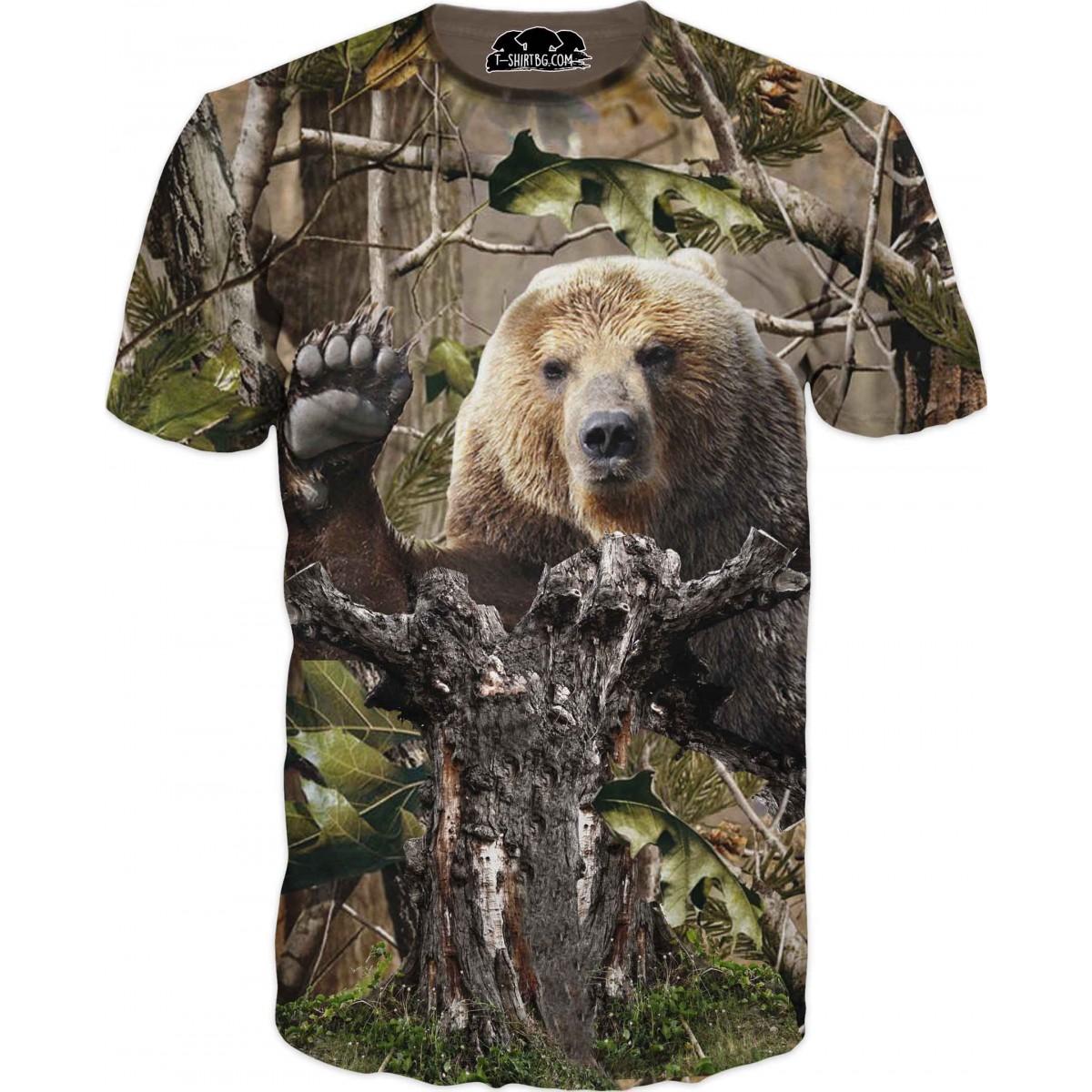 Ловна тениска с мечка в гора