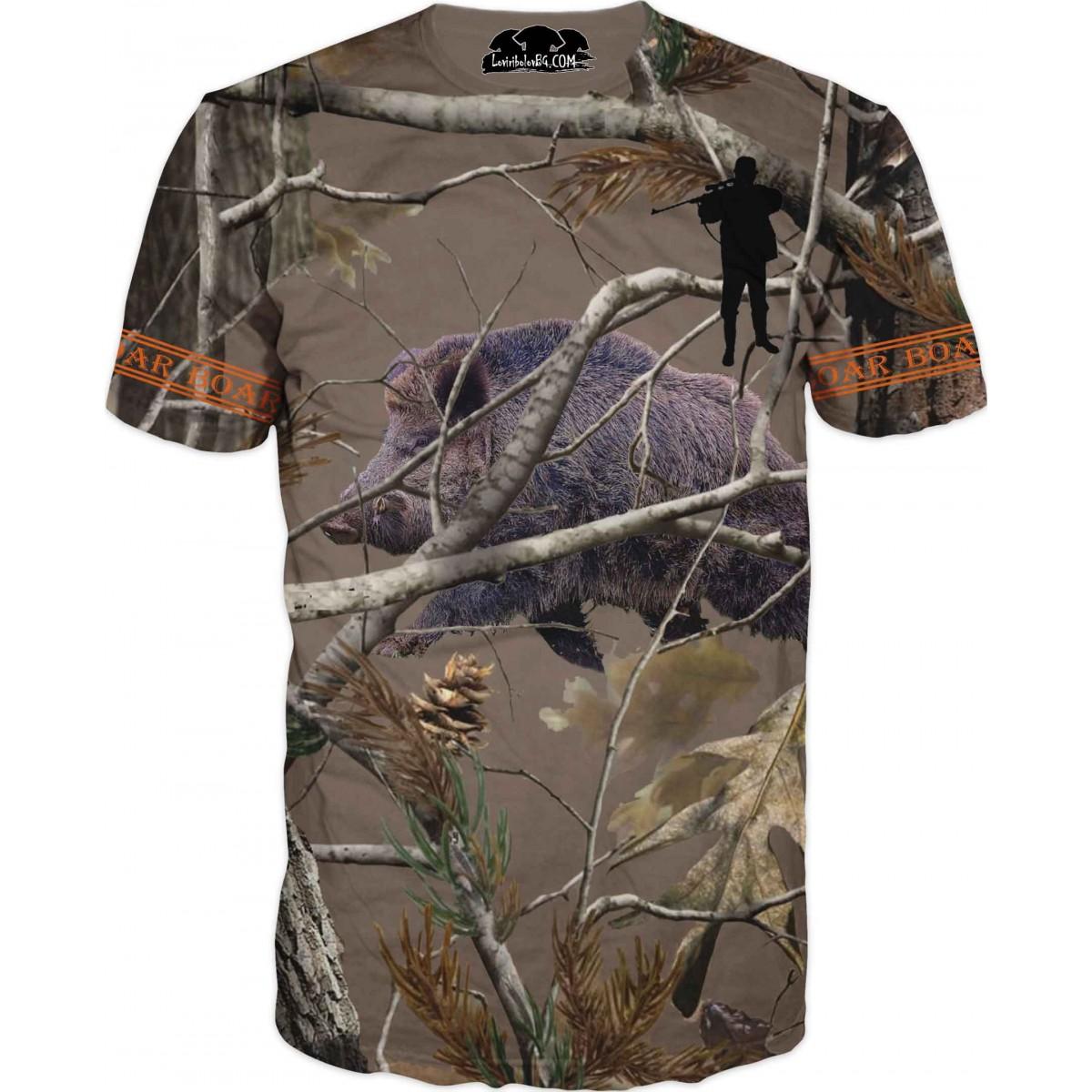 Тениска - ловна с глиган зад клони