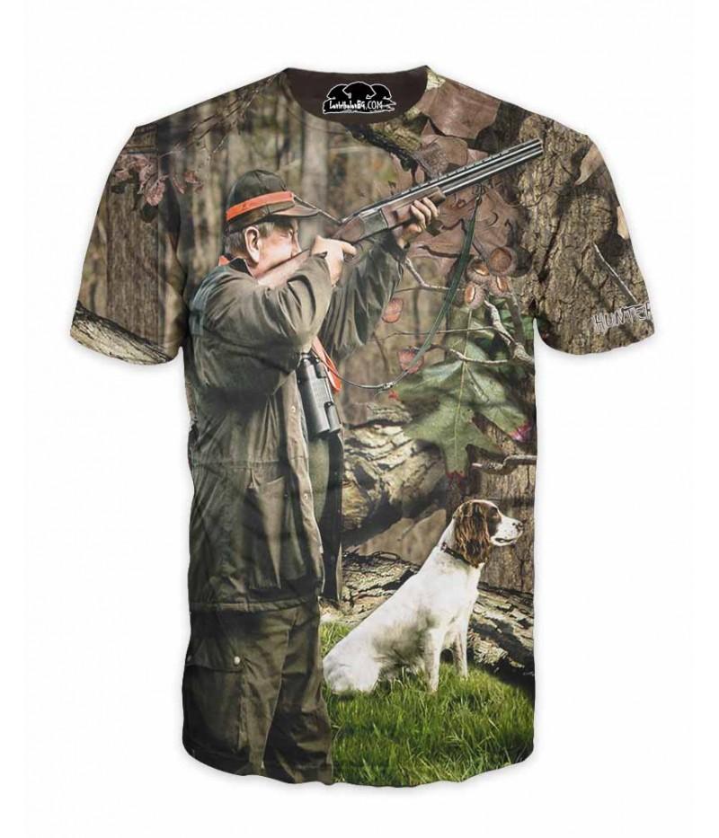 Ловна тениска с ловец и куче в камуфлаж