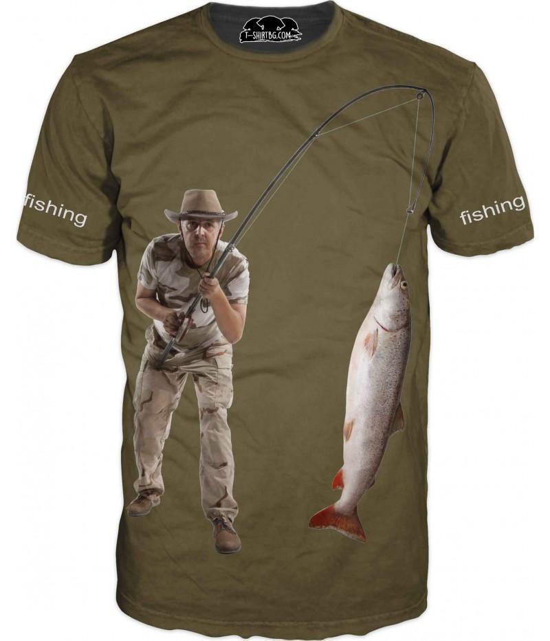 Риболовна тениска с рибар - зелен фон