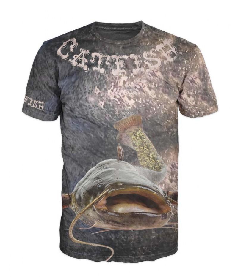 Mъжка тениска със сом върху кожа на сом